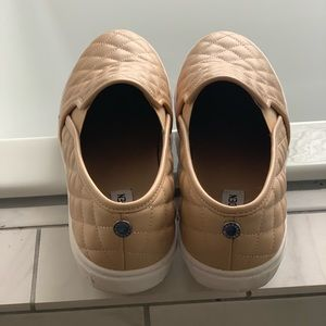 Steve Madden nude tennis shoes